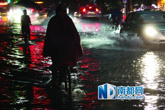 广州火车站广场 为何一月淹两次