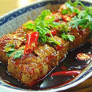 闻着臭吃着香 广州也有主席爱吃的臭豆腐