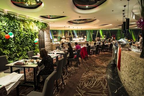 广州塔旋转餐厅422.8米