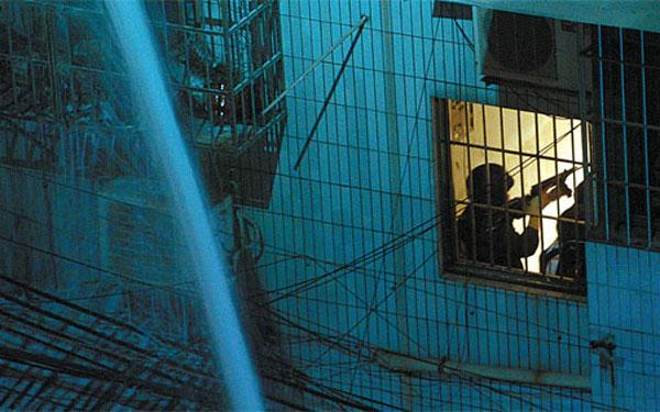 广州缉毒警枪战毒贩 一名群众遇难一名民警受伤