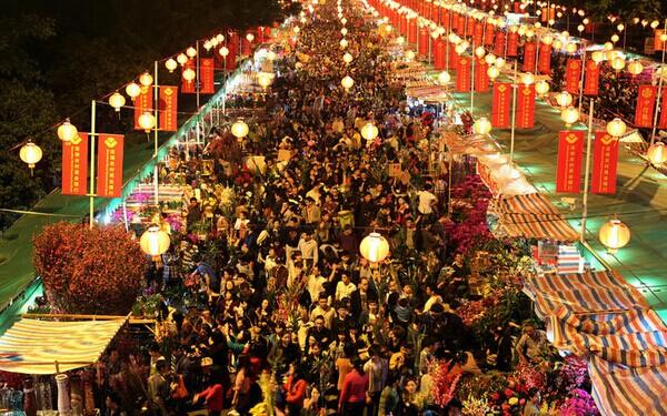 2015年广州市南沙区花市将于2015年2月13日至18日,在市南大道举办,花市设置鲜花区、年货工艺区、挥春区、美食区、盆桔盆花区。