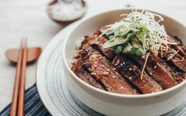 温暖情人的日式牛肉丼