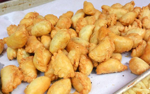 【独家美食探店】寻找广州可能最好吃的油角蛋散