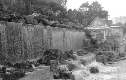 春节可看广州市区最大瀑布