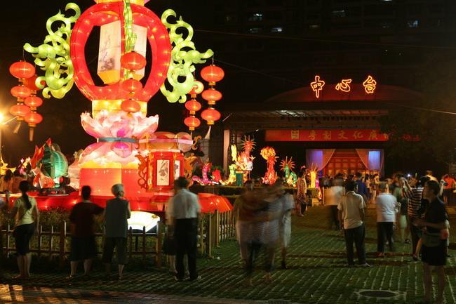 广州元宵节的赏灯习俗