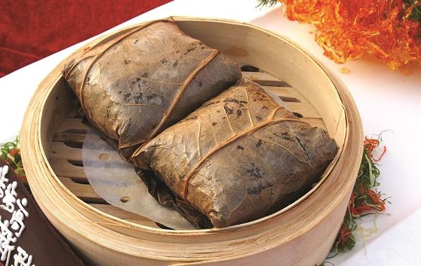 广州美食之正宗荷叶糯米鸡介绍