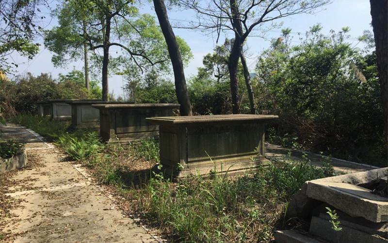 巴斯教徒墓地