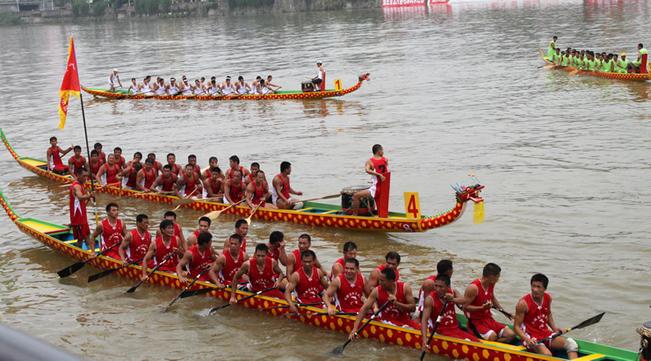 中国节日习俗:端午节为什么要赛龙舟?