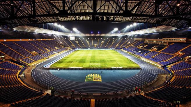 2016年广州规划建设超大型专业足球场