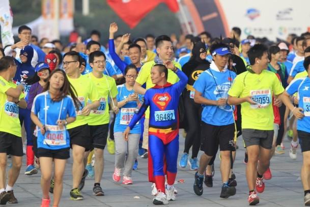 2016年广州马拉松赛首日报名人数突破3万人
