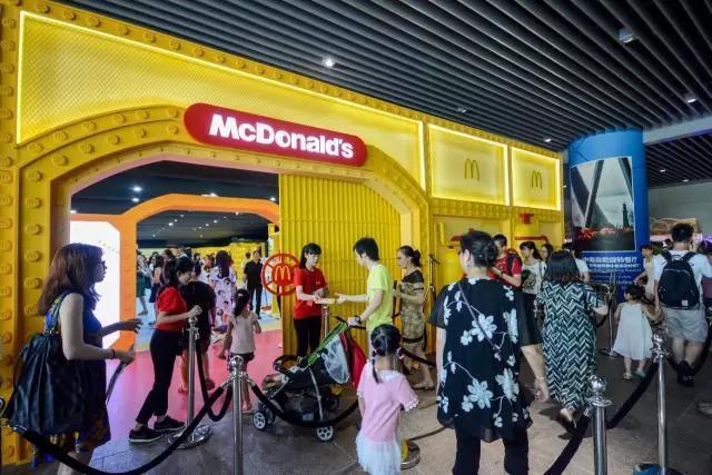 2016年广州塔西广场大型玩具展览会免费开放!