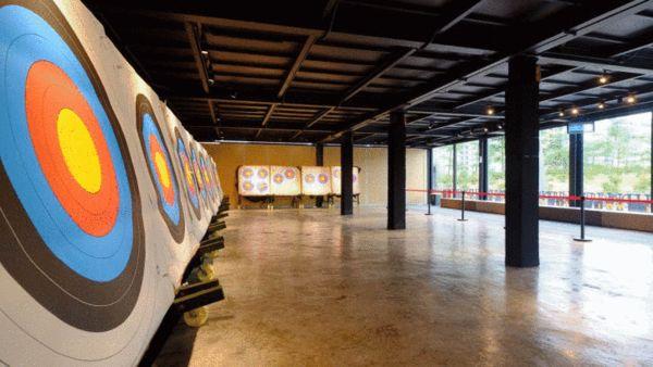 广州首家射箭馆在小蛮腰正式开业了!