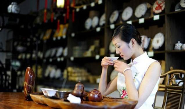 """广州市消费者委员明确强制收""""茶位费""""是霸王条款"""