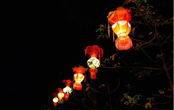 中秋节赏月地方:广州白云山摩星岭