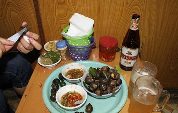 广东中秋节的美食:吮田螺,喝啤酒