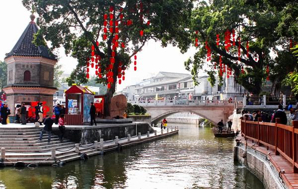 广州中秋节适合去哪?到荔湾湖公园划船吧!