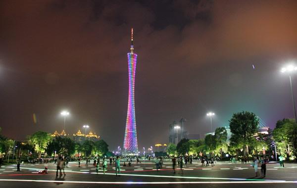 广州中秋晚上好去处:花城广场