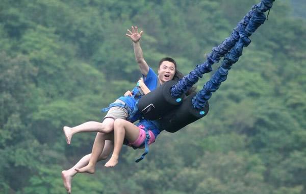 广州周末旅游好去处:白云山蹦极你试过吗?
