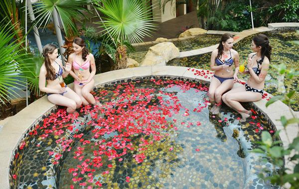 广州国庆放假旅游到盘龙峡泡温泉吧!