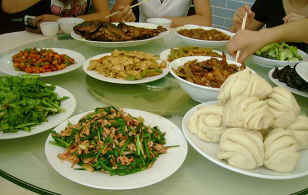 国庆节哪里旅游?到小洲村逛水乡吃农家菜!