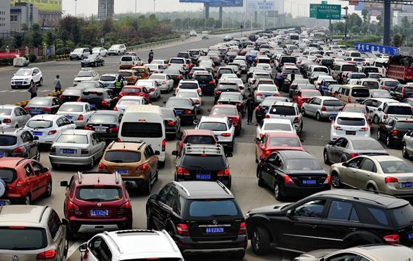 广东高速公路10月4日起迎来返程高峰