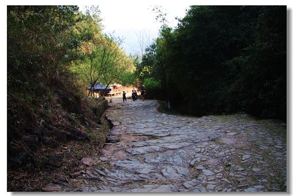 11月哪儿去旅游:梅关古道探访古迹