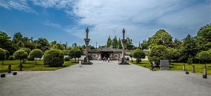 广州陈家祠:闹市中的国宝