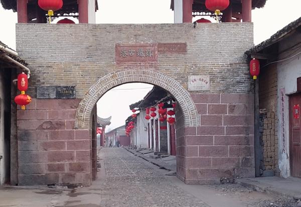 秋季旅游去哪里?到珠玑巷探访古迹!