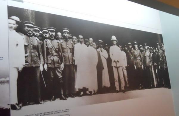 黄埔军校的故事:蒋介石与黄埔系