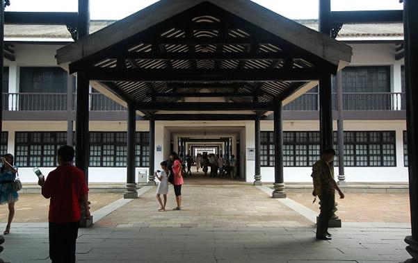 广州黄埔军校的创办背景是什么?