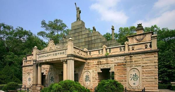 广州一日游好去处:碧血黄花七十二烈士陵园