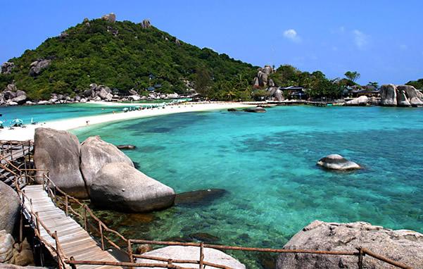 四面环海的海鸥岛,还与南沙的黄阁镇,东莞及规划中的广州新城隔海