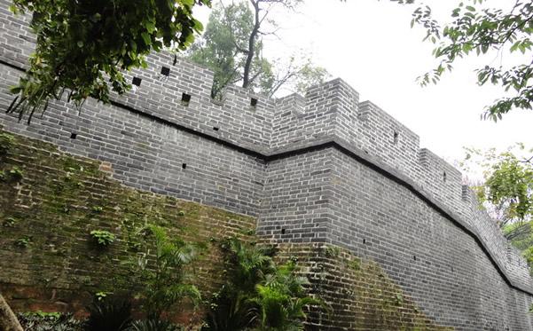 周末一起到越秀山明代古城墙探秘吧!