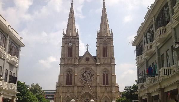 远东巴黎圣母院:广州石室圣心大教堂
