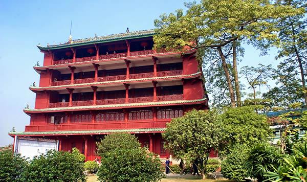 广州镇海楼博物馆的修建年代