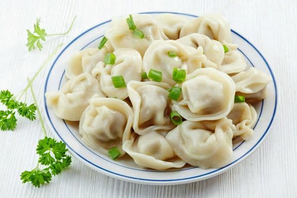 春节的特色美食之吃饺子