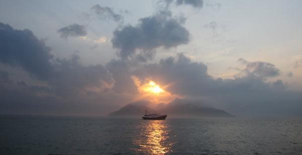 长洲岛与弯弯的月亮
