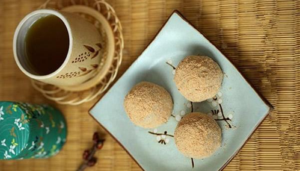 元宵节传统美食之豆面团子