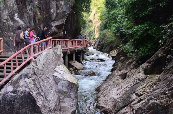 三月到增城白水寨欣赏原生态美景