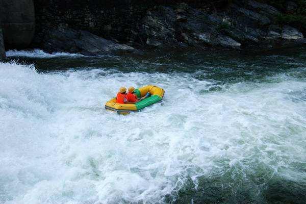 五一响水峡漂流吃喝玩乐一日游攻略