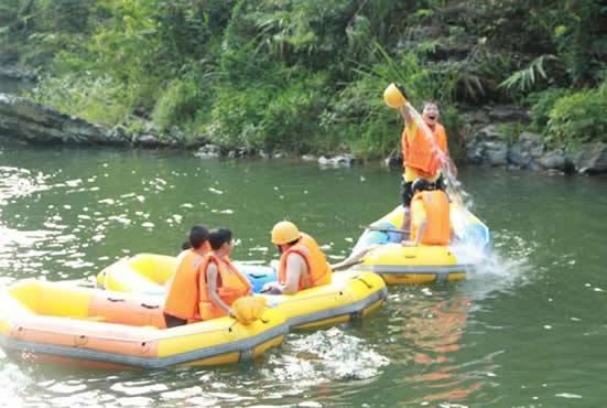 五一小长假旅游到响水峡花海峡谷漂流