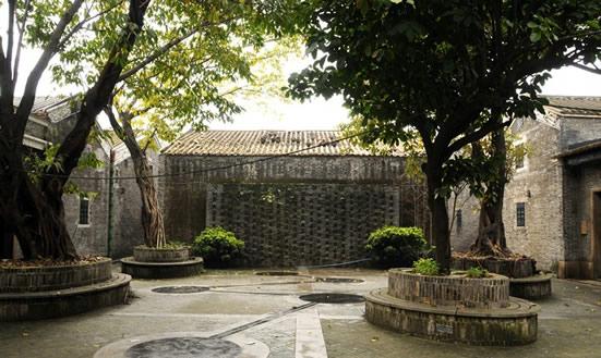 广州聚龙村:国内比较早期的房产开发的产物