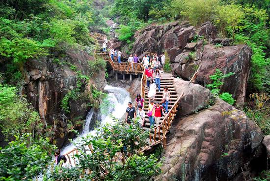 避暑天然帐幕广州增城白水寨一日游