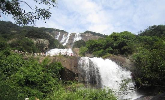 广州一日游到增城白水寨挑战天南第一梯