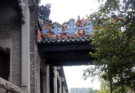 广州一日游到陈家祠研究木雕神楼