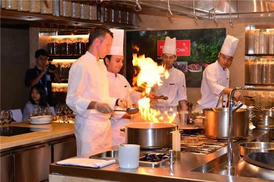 快来欣赏广州智利美食厨艺秀