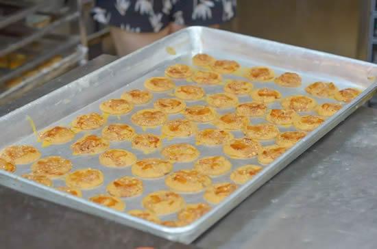 广州旅游著名特产鸡仔饼你吃过了吗
