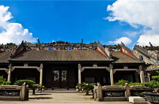 到广州陈家祠欣赏木雕建筑蝙蝠