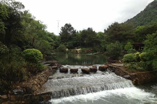 周末到广州增城白水寨体验秋日清凉