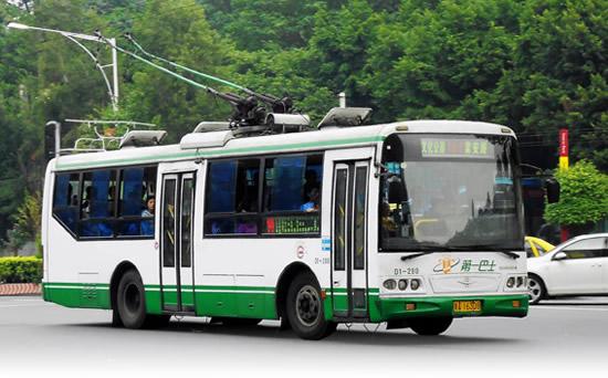 广州一日游坐电车畅游古城名胜古迹